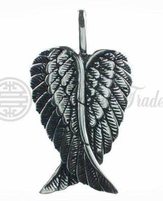 Mooie gedetailleerde hanger in de vorm van een paar engelenvleugels