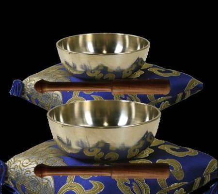 Kleine klankschalen, gemaakt uit de zeven edele metalen (klankschaal zenkoan)